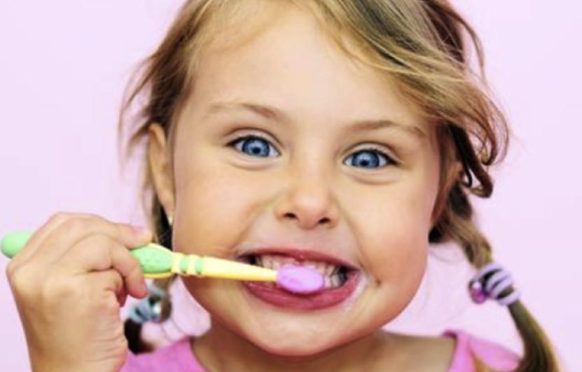 quando-lavare-i-denti-prevenzione-dentale-bambini-adolescenti-studio-dentistico-anselmi.jpg